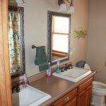 His & Her Bathroom (Craftsman)