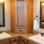 Master Bathroom (Craftsman)
