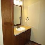 Bathroom (Geranium)