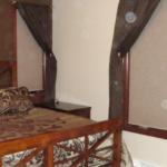 Master Bedroom (Silver Birch)